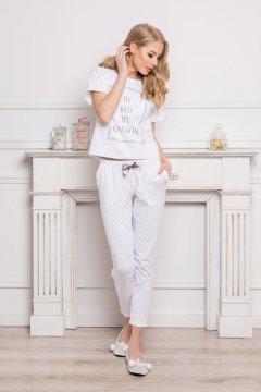 Mellén csipkés szatén pizsama ujjatlan felsővel hosszú nadrággal ... ff613fd60f