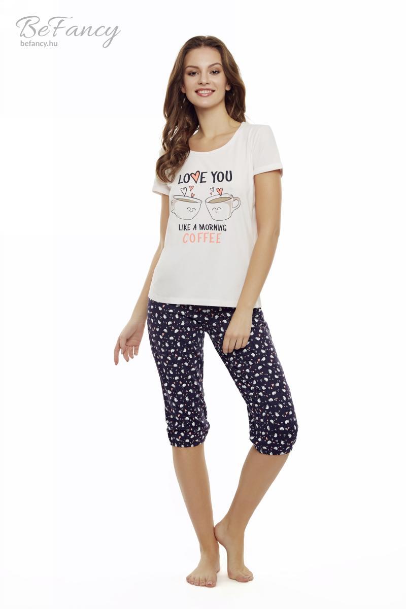 Rövidujjú pizsama háromnegyedes nadrággal kávéscsészékkel díszítve Danni 35832-03X rózsaszín/tengerészkék