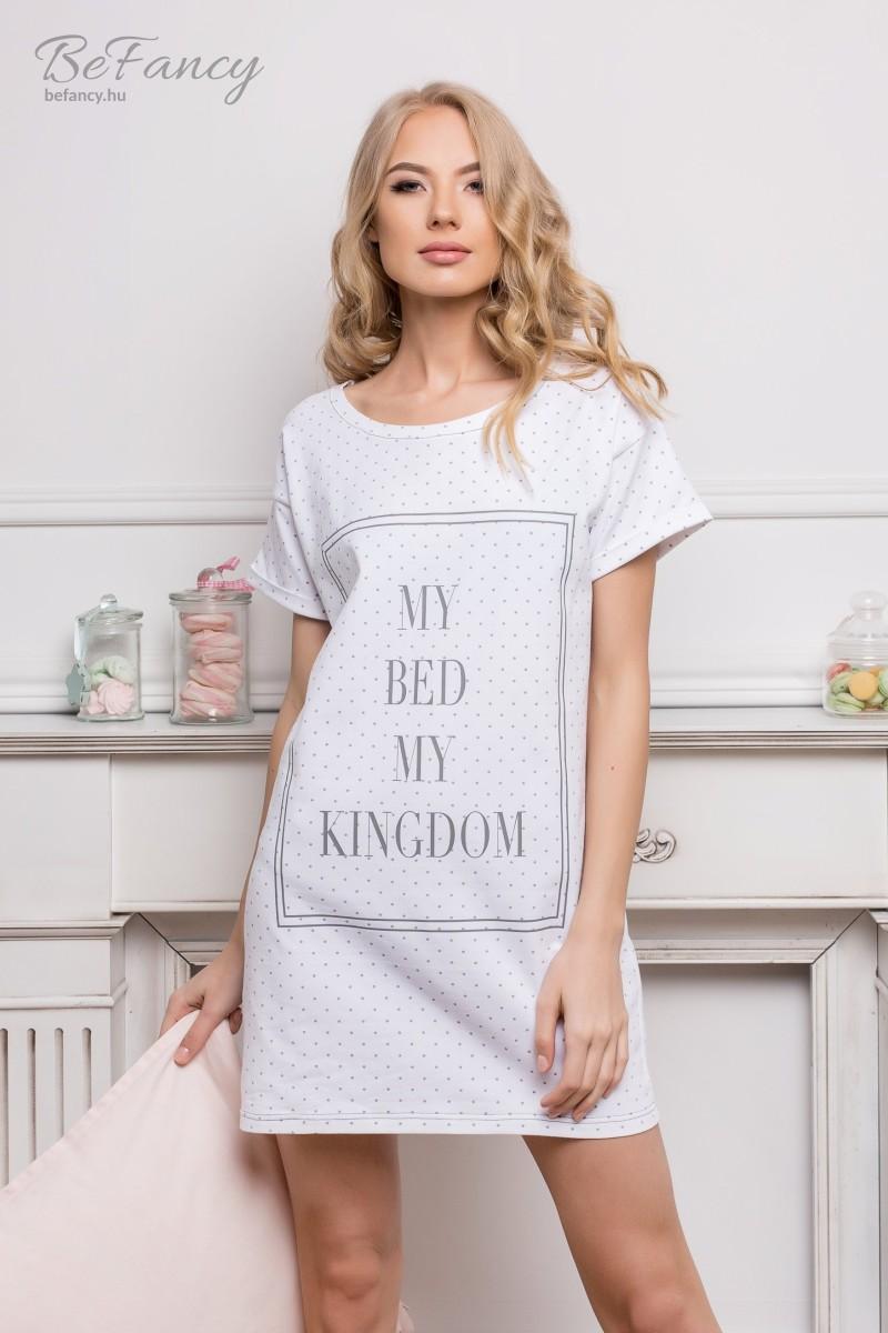 Rövid ujjú pamut hálóing felirattal Kingdom fehér pöttyös  590334eda7