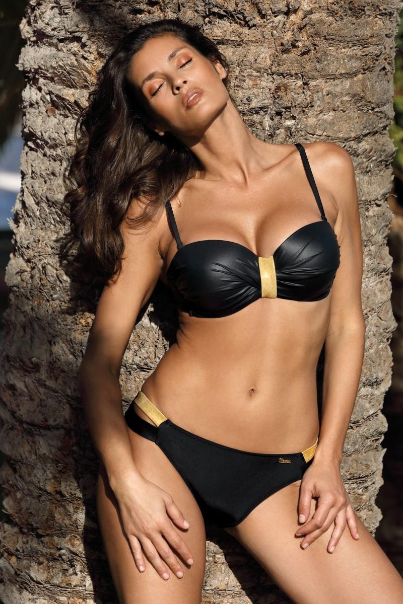 Extra push-up levehető pántos (bandeau) bikini fényes anyagból, klasszikus fazonú, oldalán pántos alsóval Lucinda Nero M-617 fekete