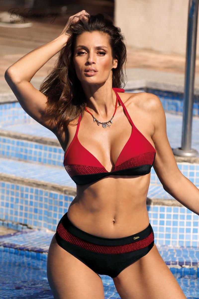 Sportos megkötős háromszög bikini fényes betéttel kissé magasabbra szabott, klasszikus alsóval Nataly Nero-Cocinella M-565 fekete/piros